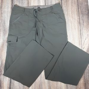 REI Aldervale roll up hiking pants 10 green